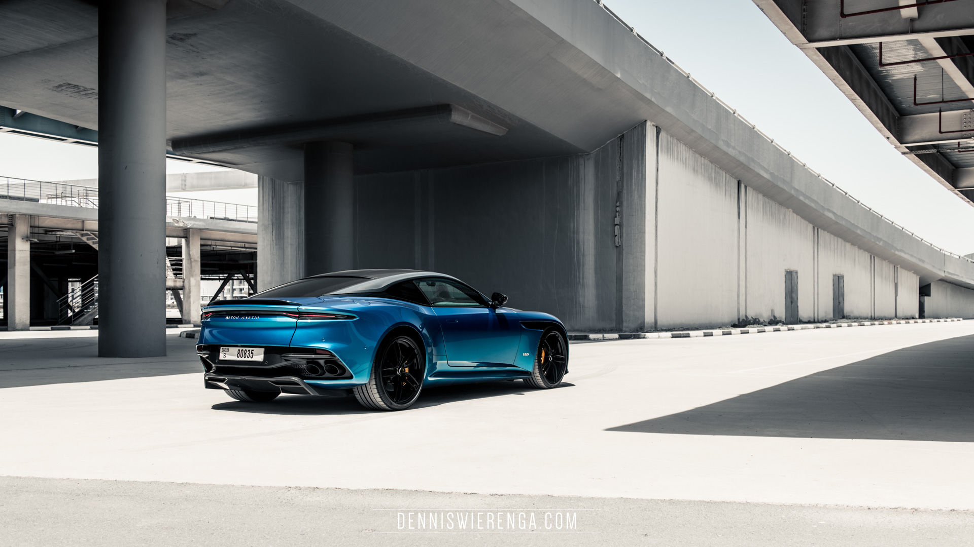 Aston Martin DBS Superleggera web-12